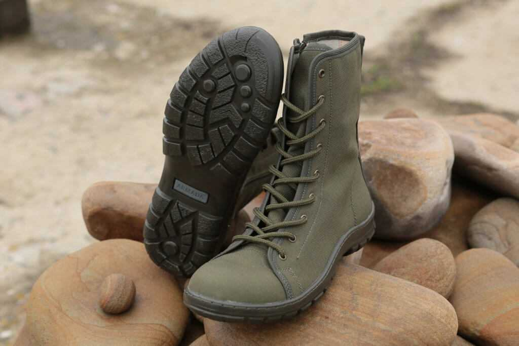 Russian-specnaz-Armada-sneakers-with-zipper-olive.jpg